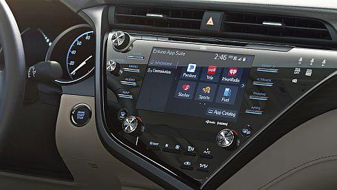 トヨタ自動車は新型「カムリ」の車載情報機器「Entune 3.0」にAGLを採用した