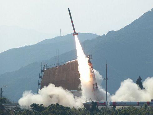 打ち上げに成功した「SS-520」ロケット5号機