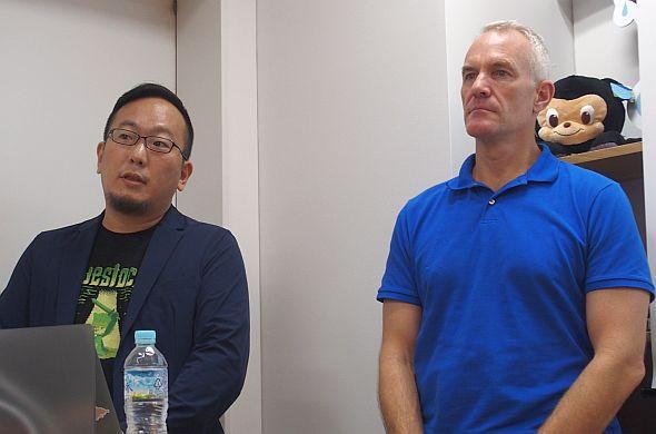 GitHub Japanの池田尚史氏(左)とGitHubのポール・セイント・ジョン氏(右)