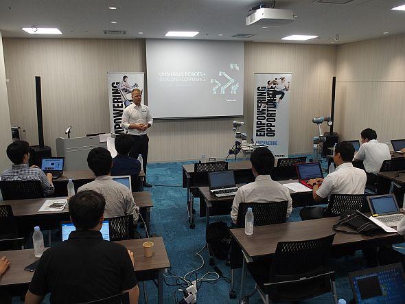 アジア初開催となった「UR+」のワークショップの様子