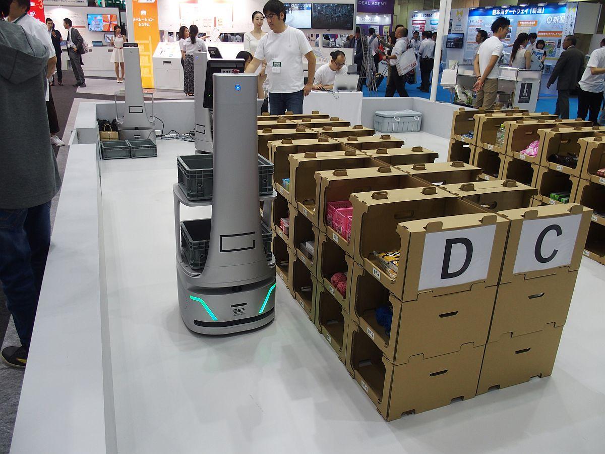 完全自動化だけが物流のスマート化じゃない、既存設備生かす協働ロボットを提案:国際物流総合展2018