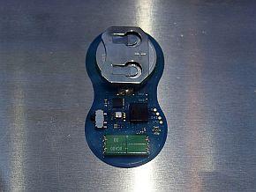 「Amcenna」を搭載する無線振動センサーモジュール