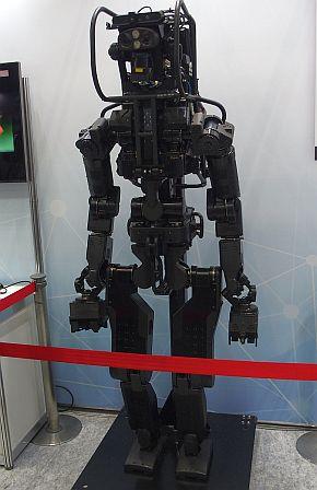 重労働が可能な人間型ロボット試作機「HRP-5P」