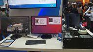 「Intel Vision Accelerator Design Product」を用いた人物認識のデモ
