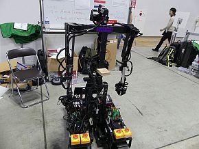 双腕型のロボットもあった