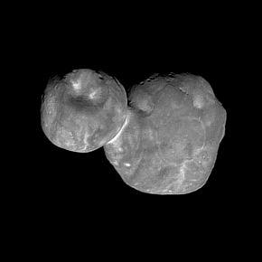 小惑星「Ultima Thule」の観測画像
