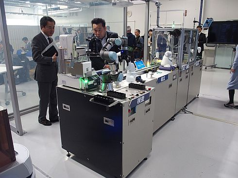 共創スペースに設置しているNEC DX Factoryのコンセプトライン
