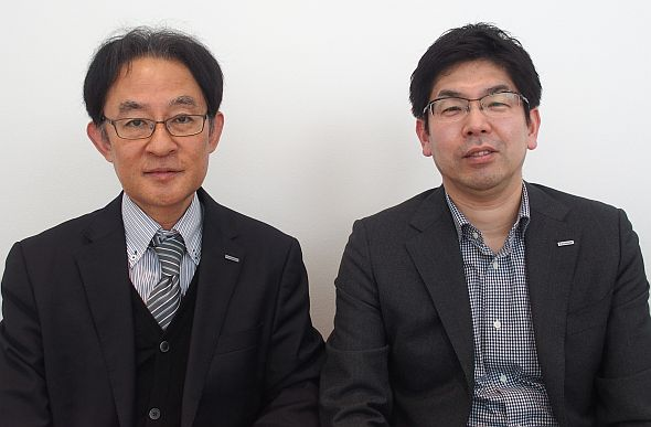 パナソニックの相澤将徒氏(右)と水野洋氏(左)