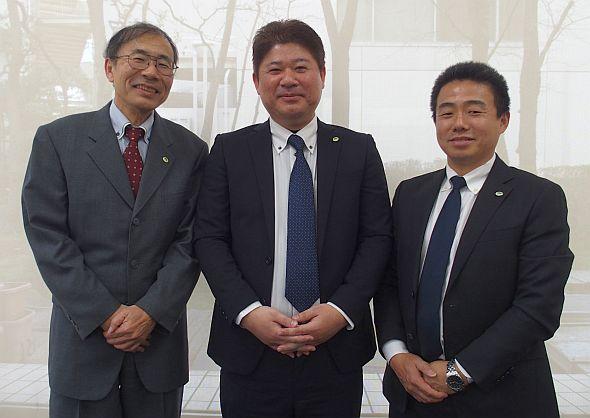 左から、日立製作所の和泉守洋氏、中村和義氏、田中良憲氏