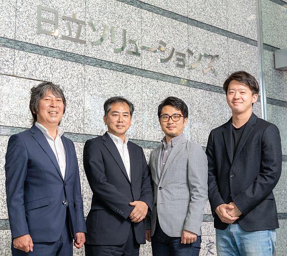 左から、Pivotalジャパンの渡辺氏、日立ソリューションズの小林氏、日本マイクロソフトの森山氏、坂田氏