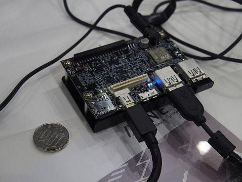 アヴネットが展示した名刺サイズのFPGA開発ボード「Ultra96」