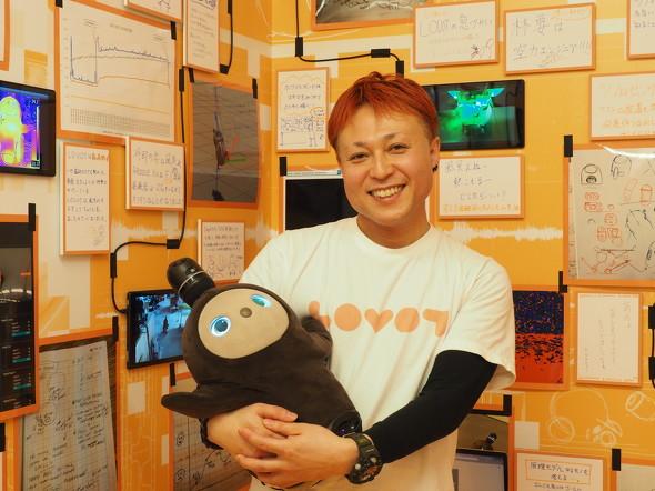 「LOVOT」のデザインを担当したznug designの根津孝太氏