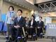 自動追従の電動車いすが成田空港で検証、高齢者の乗り継ぎ不安を解消へ