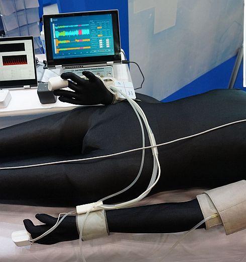 中日諏訪オプト電子の血管機能検査装置
