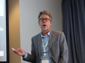 シーメンスPLMソフトウェア 医療機器・製薬業界担当業界戦略ディレクターのジェームズ・トンプソン氏