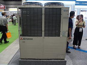 CO2のみを冷媒に用いる冷凍システム「C-Puzzle」の実機を展示