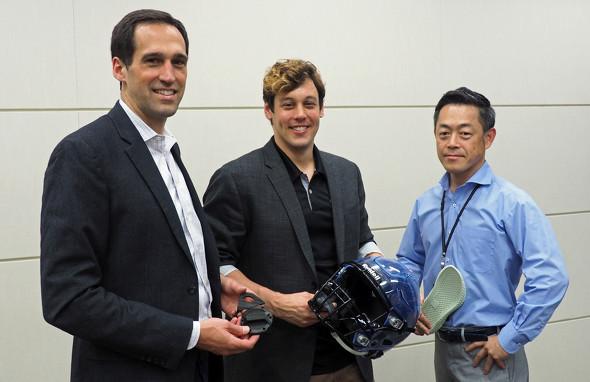 左からCarbon バイスプレジデントのPaul DiLaura氏、同社 Japan Support ディレクターのSteven Kern氏、JSR Carbon事業推進部 主査の銅木克次氏