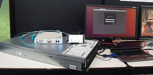 ウインドリバーと富士通が展示した仮想ソフトウェア基地局
