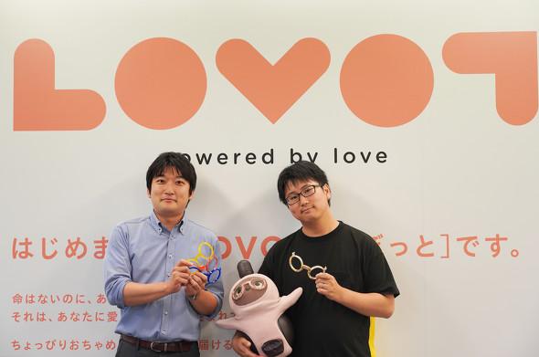 GROOVE Xの生駒崇光氏(写真右)と、ストラタシス・ジャパン ノースアジア プロダクト&ソリューション部 シニアセールスアプリケーションエンジニアの小林俊亮氏(写真左)