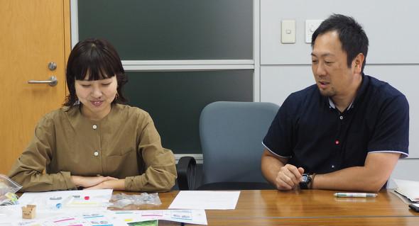 エポック社 ラクーン事業部 企画室の河本さん(左)と佐藤さん(右)