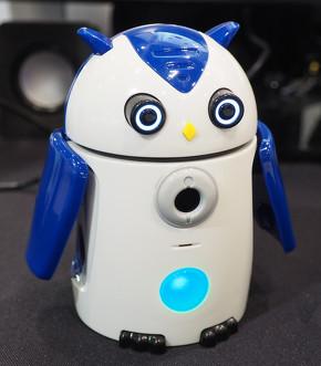 ミミズク型AIロボット「ZUKKU」