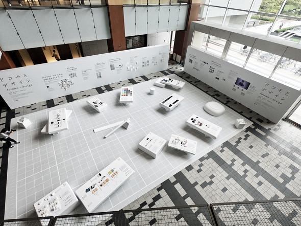 展示会場を上階から俯瞰