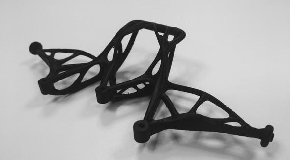 図13 3Dプリンタで出力したパーツ