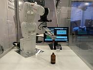 デンソーウェーブのロボットを使ったデモ