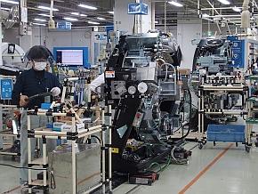 GEヘルスケア・ジャパン日野工場のCTガントリ生産ライン