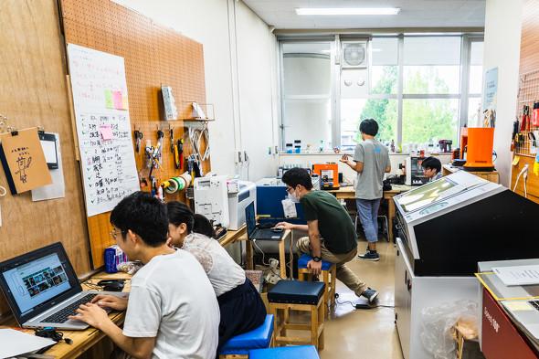 神奈川大学内にあるメイカースペース「ファブラボ平塚」(2018年6月筆者撮影)
