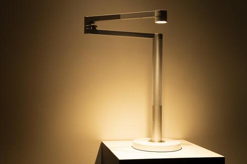 自然光を再現したLED照明「Dyson Lightcycle Morph」(デスクライト)[クリックして拡大]出典:ダイソン