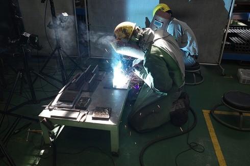 日立建機は溶接技能者の技量を見える化する計測技術を開発した[クリックして拡大]出典:日立建機