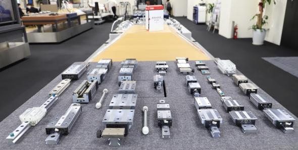 THKの主力製品であるLMガイドはさまざまな製造業をはじめ多くの産業で用いられている