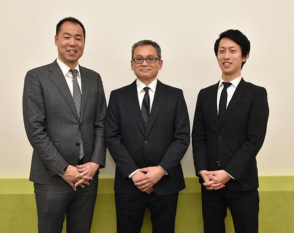 左から、インフォコムの高橋氏、JT 薬物動態研究所の篠田氏、インフォコムの大場氏