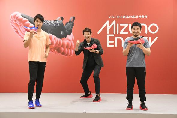 発表会ではミズノブランドアンバサダーを務める松岡修造さん、ラグビーの田中史朗選手、陸上競技の飯塚翔太選手の3人によるトークセッションも行われた