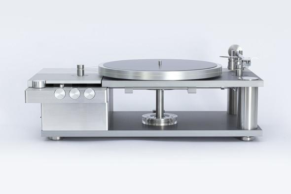 由紀精密が開発し、2020年6月から予約受付を開始したピュアオーディオ向けアナログレコードプレーヤー「AP-0」