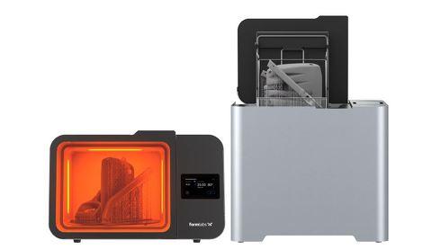(左)二次硬化装置「Form Cure L」と(右)洗浄装置「Form Wash L」
