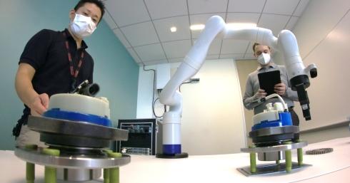 ロボットアームを利用した5Gユースケースの研究