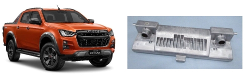 いすゞ自動車の新型「D-MAX」(左)と採用された日立製ステレオカメラ(右)