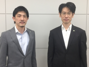 日立 研究開発グループの藤原亮介氏(左)と奥野通貴氏(右)
