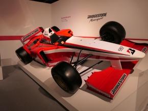 F1のタイヤ開発車両