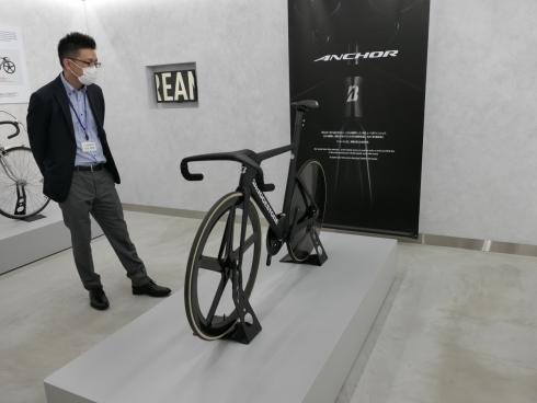 東京オリンピック・パラリンピックのトラック競技用自転車