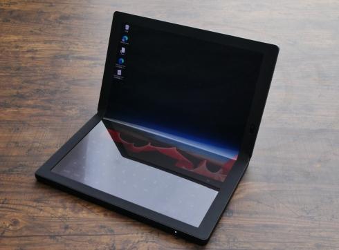 2020年10月に発売された「ThinkPad X1 Fold」