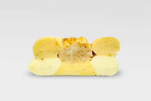 3×2cm内に5種類のバタークリームと1種類のスポンジケーキを射出したサンプル
