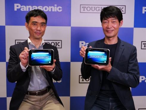 会見に登壇したパナソニック モバイルコミュニケーションズの土田淳氏(左)と武藤正樹氏(右)