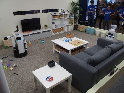 CEATECにおける「全自動お片付けロボットシステム」の展示