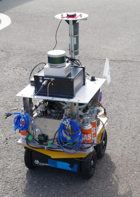 熱電発電システムを用いた自律ロボットの外観