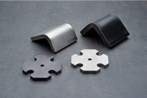 (左上から時計回りに)SUS304(NO.1) 12mm、SS400 16mm、SUS304(NO.1) 9mm、SS400 10mm