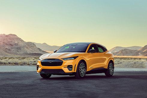 サステナブル製品部門[車両]賞を受賞したフォードの2021年式新型EV「Mustang Mach-E」