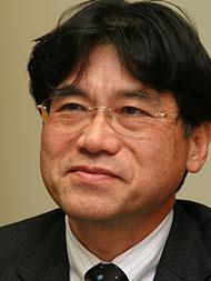 2010年以降、スマートフォンとケータイは近づいていく──NTTドコモ 辻村氏に聞く(前編) (1/2)